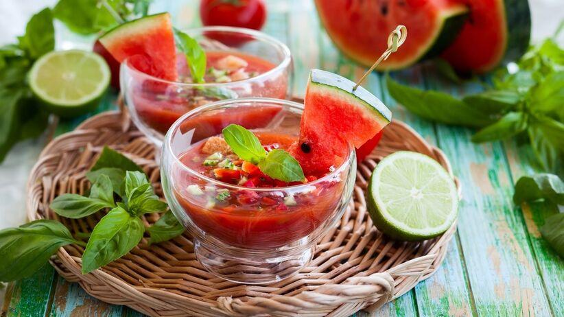 Przepisy na letnie posiłki. Co można wyczarować z sezonowych owoców?