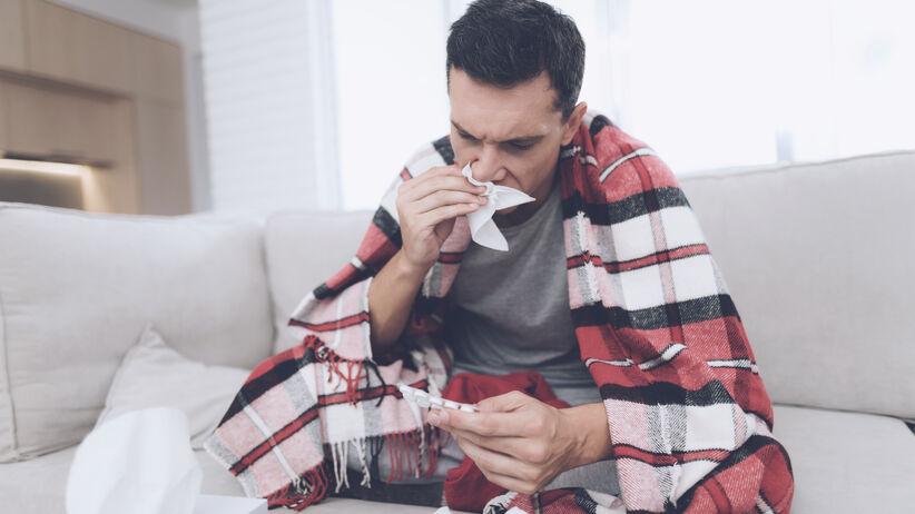 Najczęściej popełniane błędy podczas bólu gardła