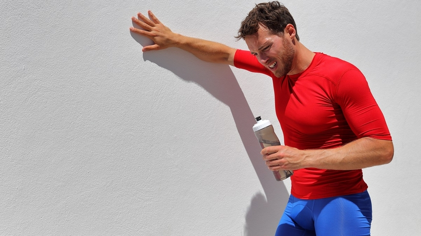 Biegacz połknął tabletkę podczas biegu i pękł mu przełyk