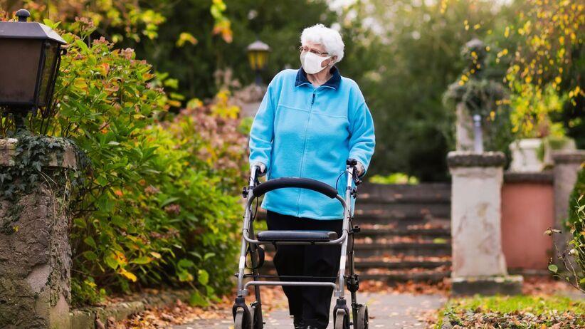 Seniorzy z W.Brytanii zwalczyli koronawirusa