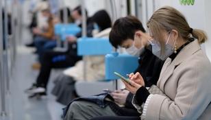 Koronawirus: bezobjawowi zakażają tak samo jak osoby z objawami?