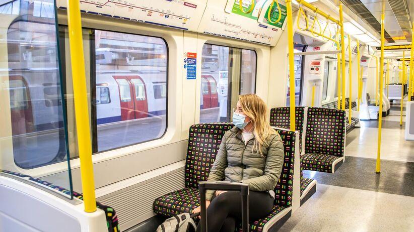 Koronawirus: ryzyko zakażenia w pociągu