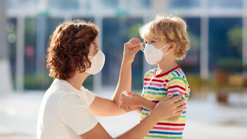 Koronawirus - maska ochronna u dzieci