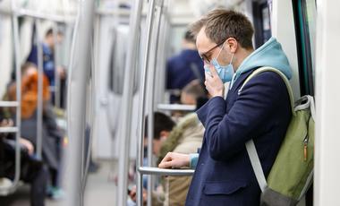 Maseczka na koronawirusa: czy chroni przed zachorowaniem?