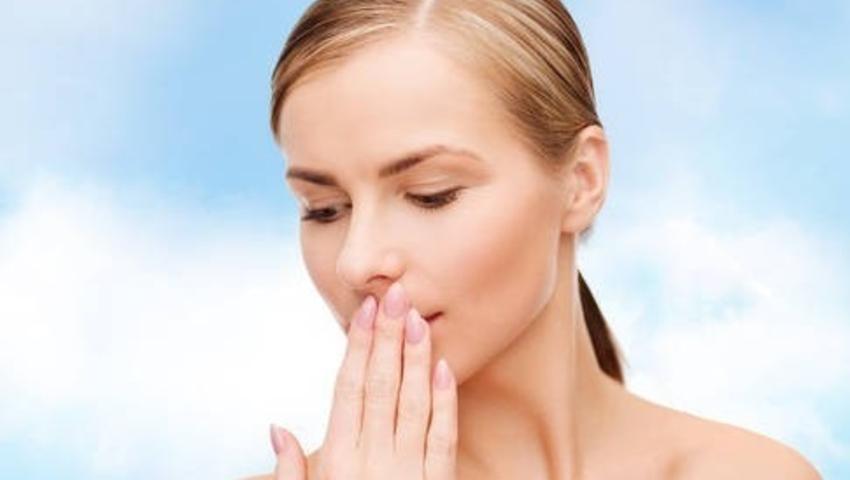 Jak leczyć zimno? Metody zapobiegania opryszczce wargowej