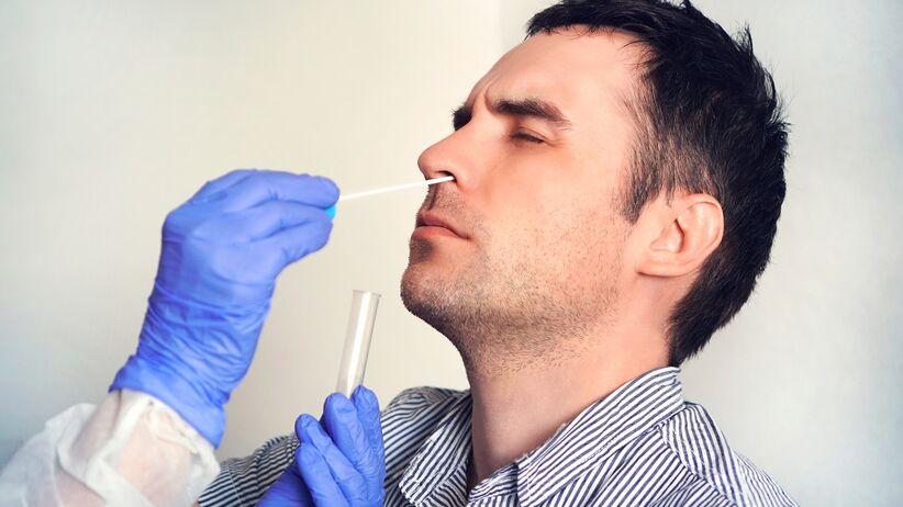 Utrata węchu jako objaw COVID-19 i grypy