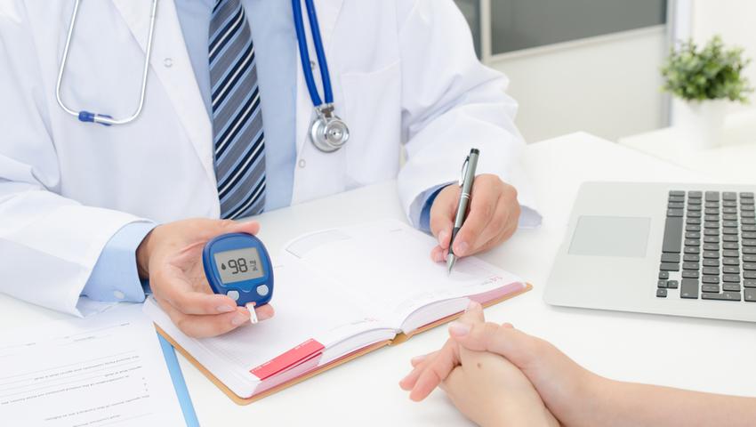 Głównym objawem cukrzycy jest podwyzszony poziom cukru we krwi