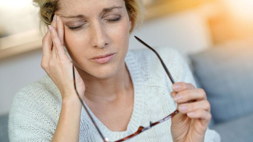 Nadmiar kortyzolu we krwi: jakie daje objawy?