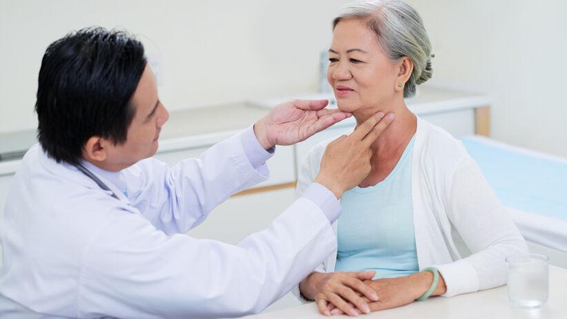 Wole to inaczej powiększenie tarczycy widoczne jako powiększenie obwodu szyi