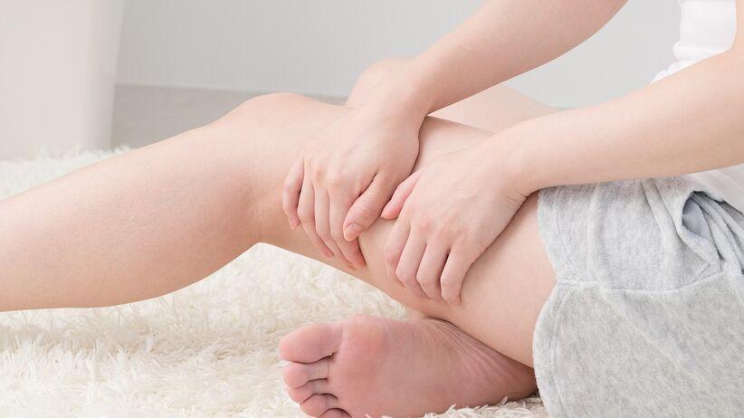 Plamienie lub krwawienie między miesiączkami