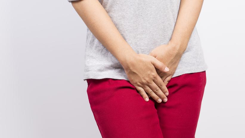 Waginoza bakteryjna może objawiać się swędzeniem i upławami lub przebiegać bezobjawowo