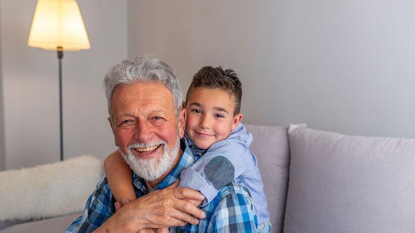 Wnuki zarażają dziadków grypą
