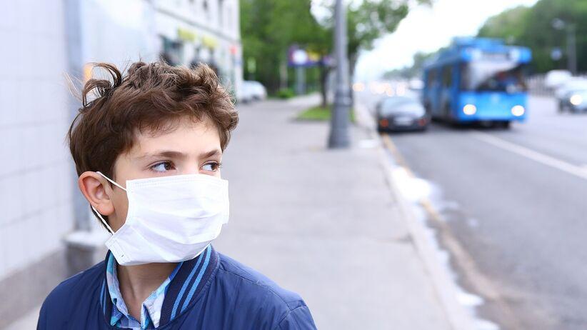Maseczki chirurgiczne - czy chronią przed grypą?