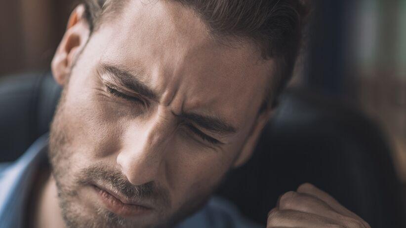 Silny ból głowy a tasiemiec