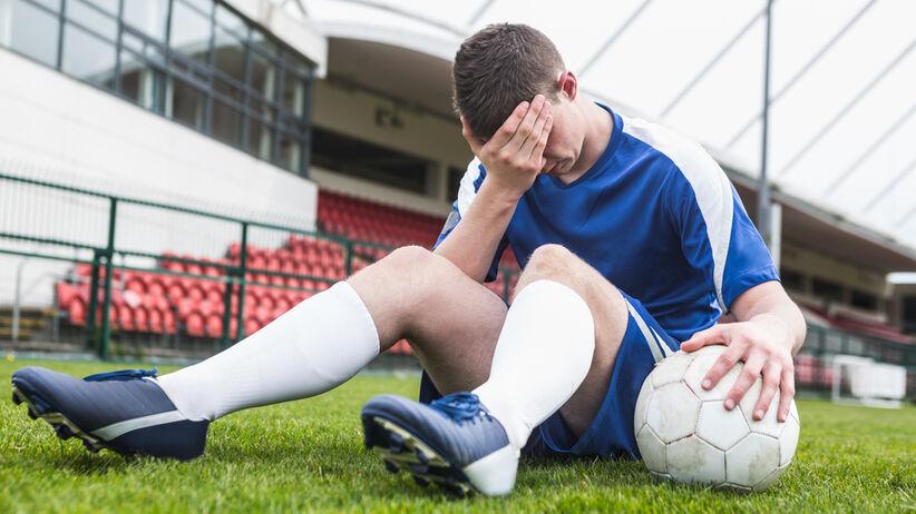 Ból głowy na meczu piłki nożnej