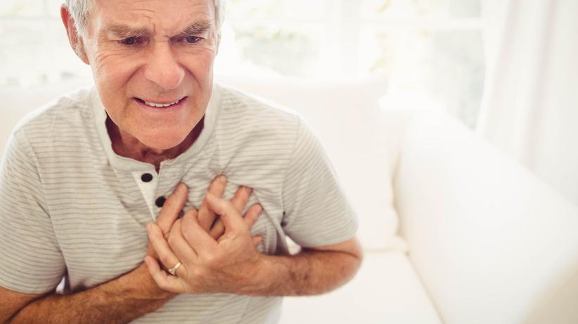 Zapalenie mięśnia sercowego objawia się bólem w klatce piersiowej