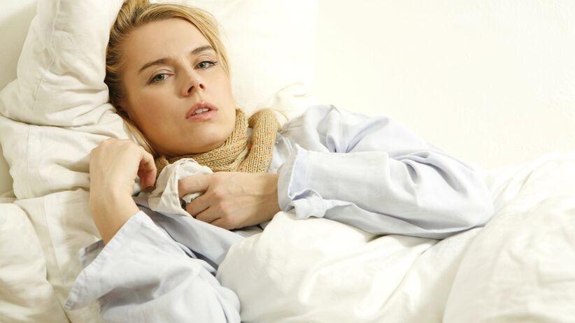 Angina: wirusowa czy bakteryjna? Charakterystyczne objawy