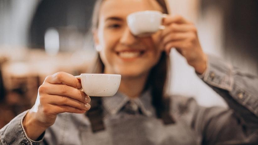 Co regularne picie kawy robi z ciałem i mózgiem?
