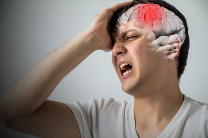 Wylew krwi do mózgu: podstawą jest szybka pomoc. Jak rozpoznać objawy wylewu?