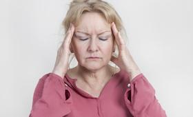 Guzy przysadki mogą objawiać się bólem głowy