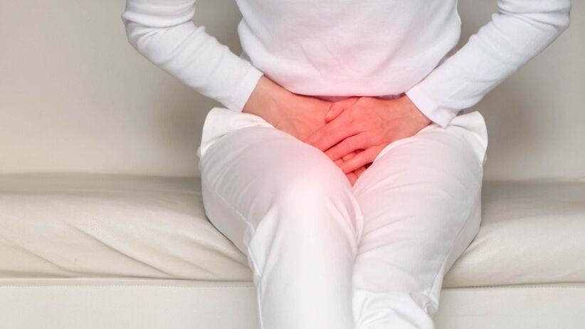 Rak szyjki macicy może objawiać się bólem podbrzusza