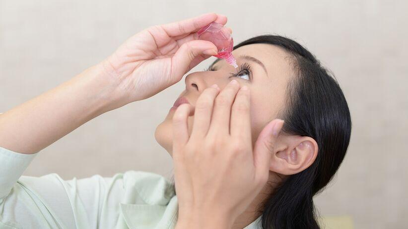 Sól fizjologiczna a zespół suchego oka