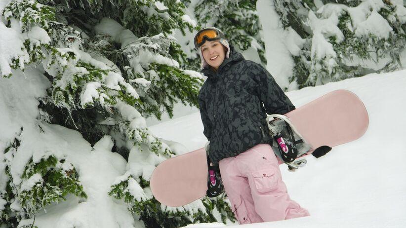 Kontuzje na nartach i snowboardzie. Jak się przed nimi chronić?