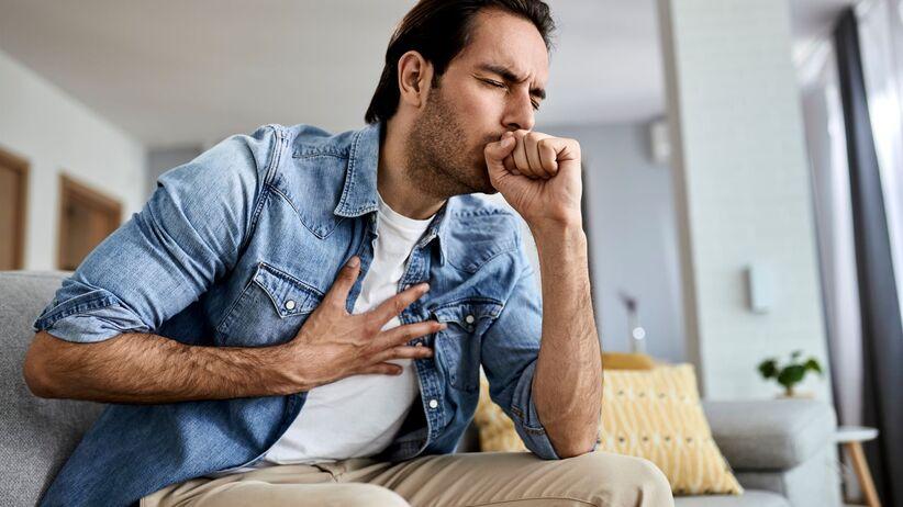 Choroba płuc przypominając COVID-19