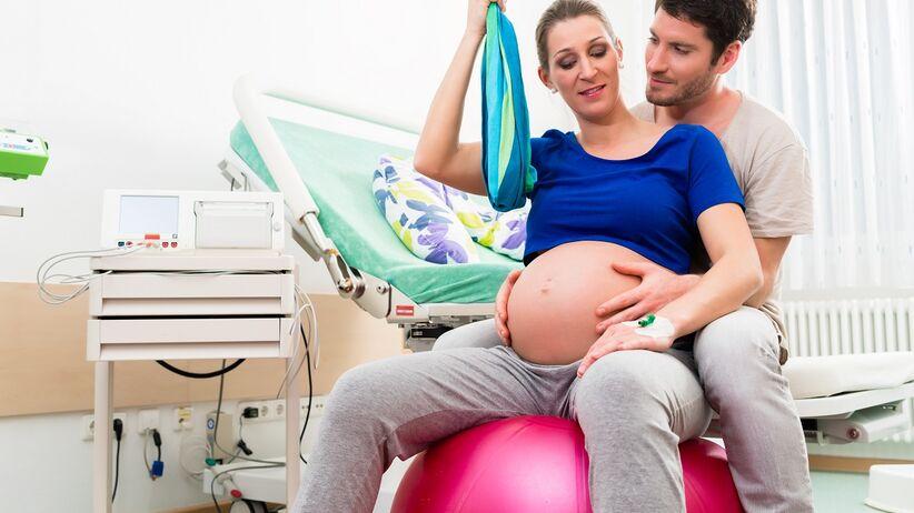 Jak sobie radzić z bólem podczas porodu? Poznaj 10 skutecznych sposobów
