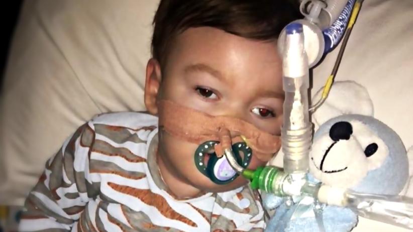 Alfie Evans: co mu dolega? Dlaczego lekarze nie potrafią mu pomóc?