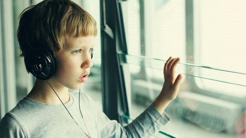 Autyzm cechuje się różną głębokością zaburzeń rozwoju