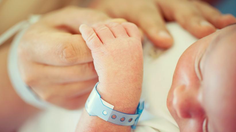 dziecko zarażone wirusem opryszczki