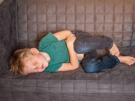 Objawy zatrucia pokarmowego u dzieci to COBID-19?