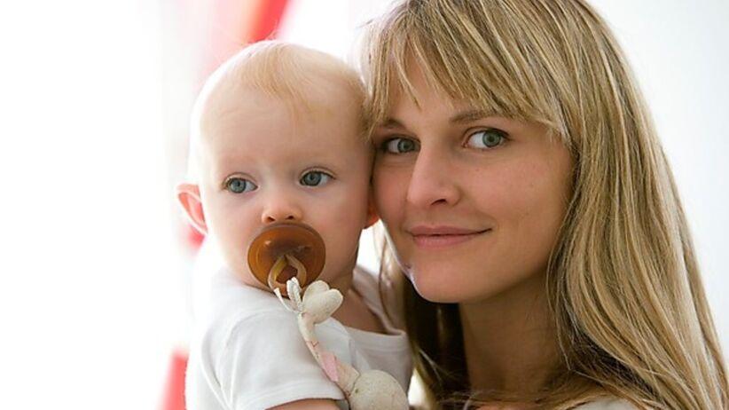 Nie wszystkie dzieci potrzebują smoczna, niektórym wystarcza ssanie piersi lub butelki