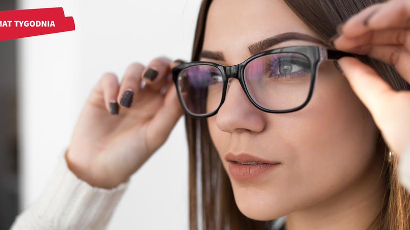 Moda na okulary powraca! Jakie oprawki są najmodniejsze w tym sezonie i jak dobrać je do swojej twarzy?