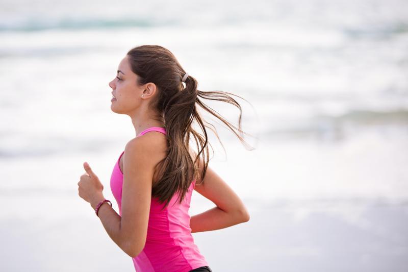 biegnąca kobieta (1)