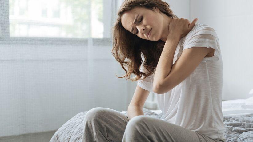 Ból karku po przebudzeniu