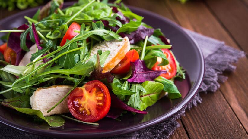 Brak apetytu – jakie są jego przyczyny i co może oznaczać?