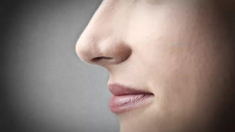 Czy płukanie nosa solą fizjologiczną może chronić przed koronawirusem?