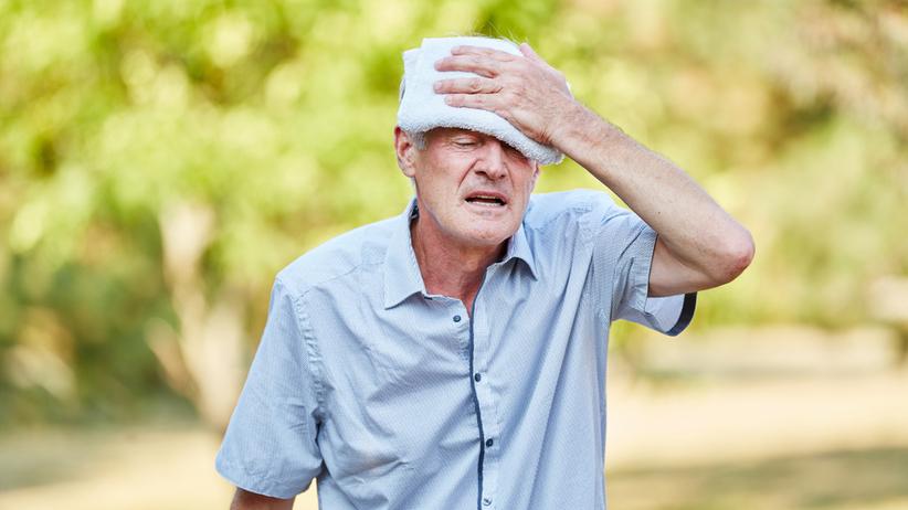 Seniorzy źle znoszą upały, bo mają mniejszą wytrzymałość i szybciej się odwadniają