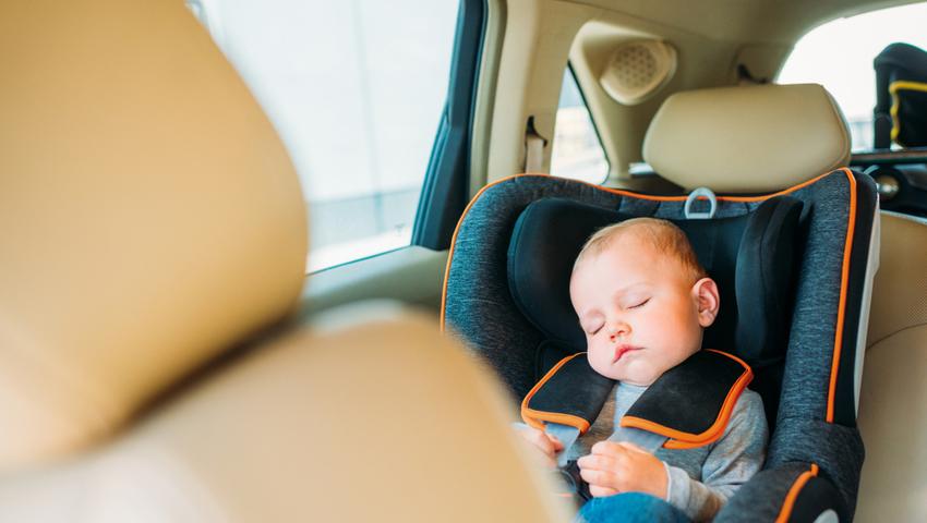 Upał i zamykanie dzieci w samochodzie