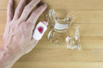 Kontakt z cudzą krwią to ryzyko zarażenia wirusem