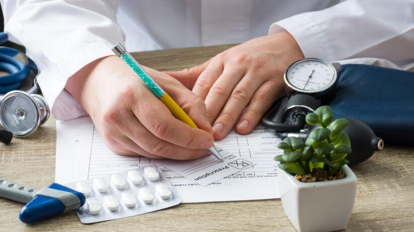 Receptę transgranicną może wypisac lekarz na wniosek pacjenta