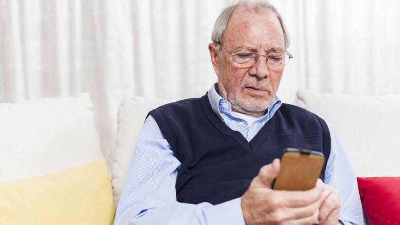 bezpłatne badania dla starszych osób pod lupą UOKiK
