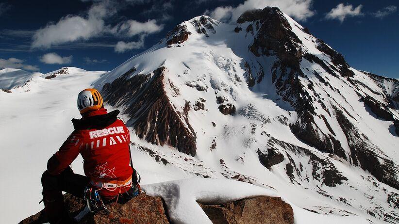 Ratują życie w górach, teraz potrzebują naszej pomocy