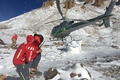 Helikopter w górach Kaukazu to bardzo rzadki widok