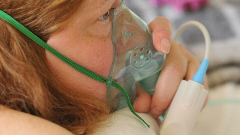 Pacjentka w szpitalu z powodu COVID-19