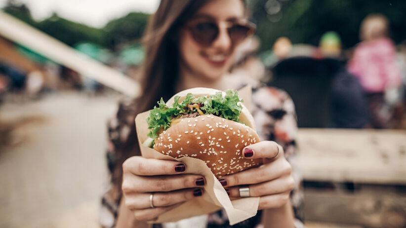 Partia hamburgerów (kanapek) wycofana.