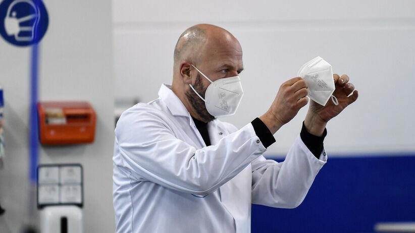 Chińskie maseczki FFP2 nie spełniają norm bezpieczeństwa – ostrzega włoski ekspert
