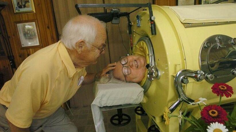 Martha Mason zachorowała na polio i spędziła 61 lat w kapsule.